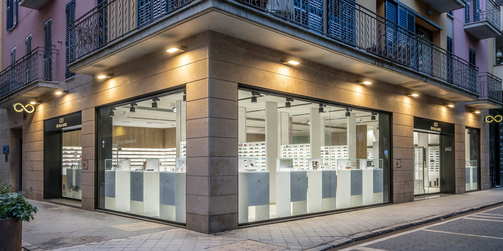 Optica-Look-Reforma-Sant-Feliu-de-Guixols-1-slide-1600x800-2